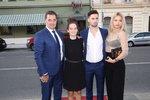 Herec Martin Dejdar s dcerou Sárou, synem Matějem a jeho přítelkyní