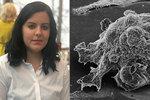 """Petra (34) přišla kvůli rakovině o prsa. Kromě strachu """"bojovala"""" i s necitlivým onkologem"""