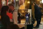 Divoký mejdan po finále StarDance: Líbačka Kubařové na baru, laskal se každý s každým!