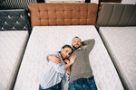 Kupujete novou postel? Na tyhle důležité věci byste před nákupem měli myslet!
