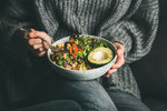 5 zdravých receptů plných zeleniny, které zasytí a zahřejí