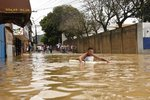 Návaly bahna odnášely i auta. Sesuv půdy v Brazílii usmrtil šest lidí