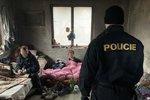 Pražští policisté nelenili: Kontrolovali hotely i squaty, v centru naháněli neposlušné řidiče