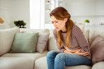 Potraviny, které pomohou při bolestivé menstruaci. A další, kterým se raději vyhněte