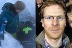 Chlapce zasypal metr a půl sněhu: Po půl hodině ho z laviny vyhrabal otec!