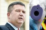 Hamáček v ohrožení? Vicepremiéra po jednání ministrů v Bruselu testovali na koronavirus