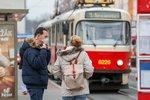 Pražská MHD znovu posiluje provoz: Po autobusech teď jezdí častěji i tramvaje