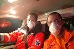 Záchranáři píšou hejtmance Jermanové: 1 respirátor a 3 obleky nás neochrání, dělejte něco