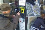 Ve Vyškově spustili provoz dvou rouškomatů: Lidé stojí ve frontách, zboží jde na dračku