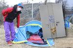 Dát bezdomovce nakažené koronavirem do Písnice? Podle starosty nepřijatelné, podle radních nevhodné