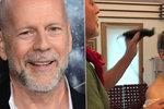 Následky rodinné karantény: Bruce Willis vzal dceři hlavu dohola!