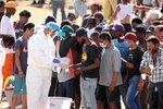 """""""Těla se budou válet na ulici,"""" varovali Afriku. Ta odolává a čeká úder koronaviru"""