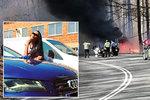 Denisa (23) v milované audině vletěla mezi stromy: Se spolujezdci (19 a 20) je uvěznily plameny