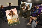 Kina otevřela, ale budou mít filmy? Distributor promluvil o premiérách při pandemii