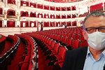 Poukázky za zrušené kulturní akce podepsal Zeman. Lidé se peněz dočkají až příští podzim