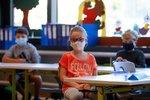 Zvracení, průjem a křeče v břiše: Příznaky koronaviru u dětí jsou často velmi odlišné