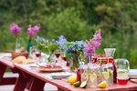 Letní dekorace zkrášlí každou terasu či zahradu