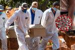 Nové ohnisko nákazy: 50 tisíc mrtvých je falešným pocitem bezpečí, míní expert. Obavy má i Prymula