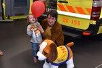 Dětem bude od stresu z úrazu pomáhat plyšový pes: Pokřtil ho herec Saša Rašilov