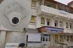 Zámky na dveřích a kamery v pokojích: Nemocnice léčí nakažené v nelidských podmínkách