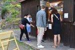 Půlka Čechů v létě na dovolenou nepojede vůbec. A v Česku místo ciziny bude 15 procent lidí