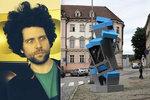Zděšení ve Znojmě: Maxim Velčovský tu z telefonních budek postaví orloj