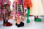 (Jako) v bačkůrkách! Tohle jsou ty nejpohodlnější boty roku 2021