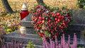 Dušičková výzdoba: Vyrobte si doma dekoraci na hrob za pár korun
