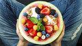 Zapomeňte na zmrzlinu! 10 dietních tipů, které vás v horku skutečně ochladí