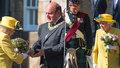 Nemocná královna Alžběta se objevila na veřejnosti: Bolest maskovala úsměvem?!