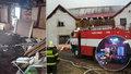 Šestičlenné rodině z Poličky vzal požár střechu nad hlavou: Obec pro ně vypsala sbírku