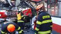 Proč se trolejbus srazil s tramvají? Vyšetřování krvavé nehody potrvá měsíce!