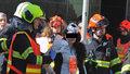 V trolejbusu jsem byla s měsíčním synem, nárazem vypadl z kočárku! Lidé popisují hrůzu a děkují záchranářům