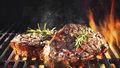 Jak grilovat na dřevěném uhlí, aby se maso propeklo rovnoměrně?