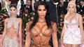 Vražedné dekolty na Met Gala 2019: Kim Kardashian nezklamala! Zepředu, ani zezadu!