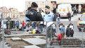Sochař rozebral Staromák bez povolení: Strážníci ho nechali! Na místo se vrátili, až bylo po dlažbě