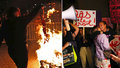 Hořící podprsenky i stávkující poslankyně. Po rovných platech volají ženy ve Švýcarsku