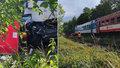 Smrt na přejezdu: Děti (†5 a †8) zemřely se svými rodiči, vlak smetl jejich vůz