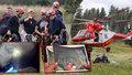 Záchranáři vynesli těla mrtvých speleologů: Museli si k nim razit cestu výbuchy!
