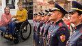 Jarda (14) bojuje s těžkou obrnou: Na nový vozíček se mu složila i pražská hradní stráž