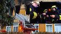 Co dělat, když hoří zdravotnické zařízení? Tohle všechno hasičům ve Vejprtech komplikovalo zásah