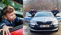 Roční miminko zůstalo uvězněné v autě: Zamklo se samo, máma (34) mu dala klíčky na hraní