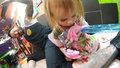 Nejmladší tatérka světa: Dívka tetuje už od dvou let!