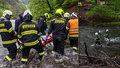 Hasiči zachraňovali zraněného v Pekle: Museli s ním brodit přes řeku!