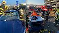 Tragická nehoda v Mladé Boleslavi: Zaklíněnému řidiči nepomohl ani okamžitý zásah záchranářů