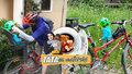 Táta na mateřské: Jak jsem po 7 letech sedl na kolo s připoutaným dítětem