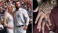 """Karlos Vémola a jeho Lela to """"zpečetili"""" navždycky: Co mají na prsteníčku?"""