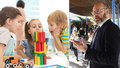 Školky řeší problém s dvouletými dětmi: Nebude dost chův? Ředitelka přiznala padáky