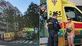 Drama na Koněvově: Pár se brutálně pohádal, muž pak balancoval na okenní římse