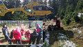 Pátrání po seniorovi trvalo tři dny: Vrtulník ho našel v bezvědomí v lese, policisté ho museli resuscitovat